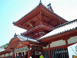 伊佐爾波神社斜めから.jpg