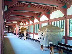伊佐爾波神社神輿部屋.jpg