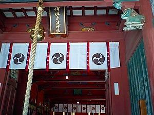 伊佐爾波神社本殿002.jpg